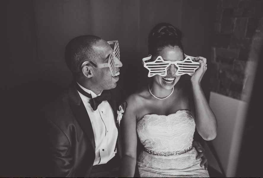 bride-and-groom-using-our-booth