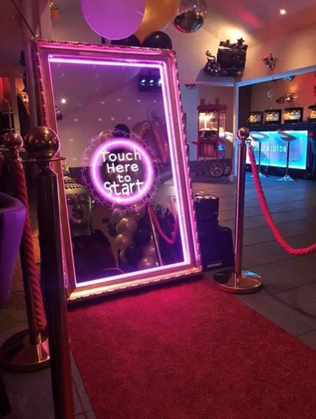 Mirror Booth with a red carpet add on